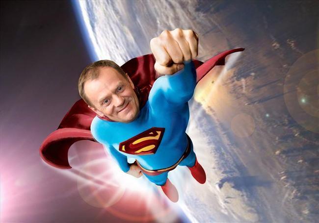 donald-tusk-superman