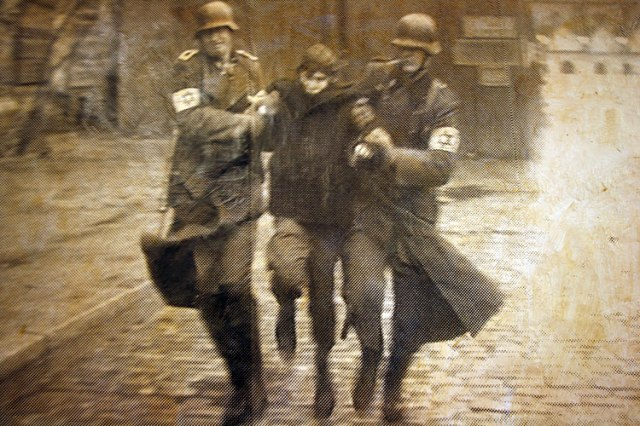 achtung8
