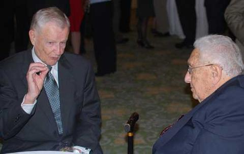 Zbigniew Brzeziński i Henry Kissinger - wytrawni stratedzy Nowego Porządku Świata