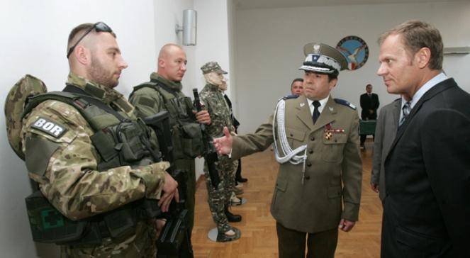 W środku: gen. Marian Janicki - jeden z głównych odpowiedzialnych za niezabezpieczenie wizyty Prezydenta Lecha Kaczyńskiego w Smoleńsku