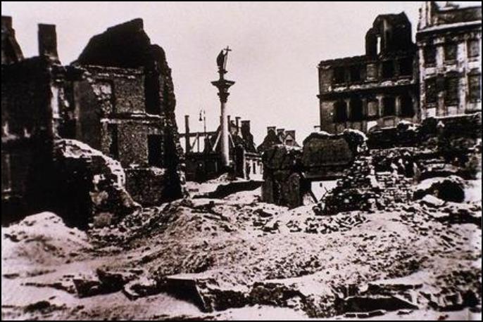 Warszawa zniszczona3