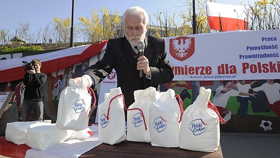 Poseł Gabriel Janowski - heroiczny obrońca polskiego interesu narodowego