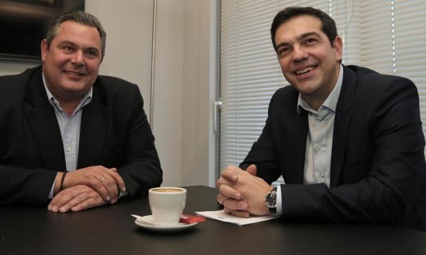 Lider partii Niezależni grecy Panos Kammenos z liderem partii SYRIZA Aleksisem Ciprasem