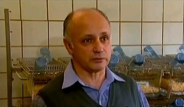 Dr Aleksiej Surow w swoich badaniach na chomikach potwierdził odkrycia dr Iriny Ermakovy