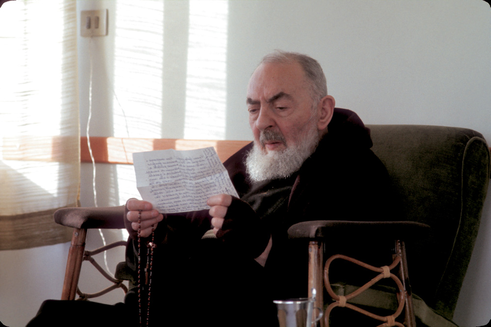 Odwiedziny Ojca Pio Czyli Czanneling Z Plejadianami